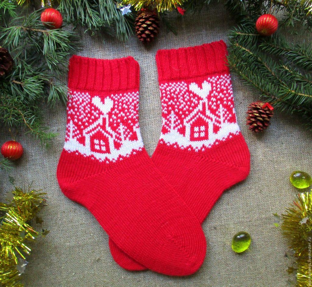 Новогодние носочки - хороший подарок