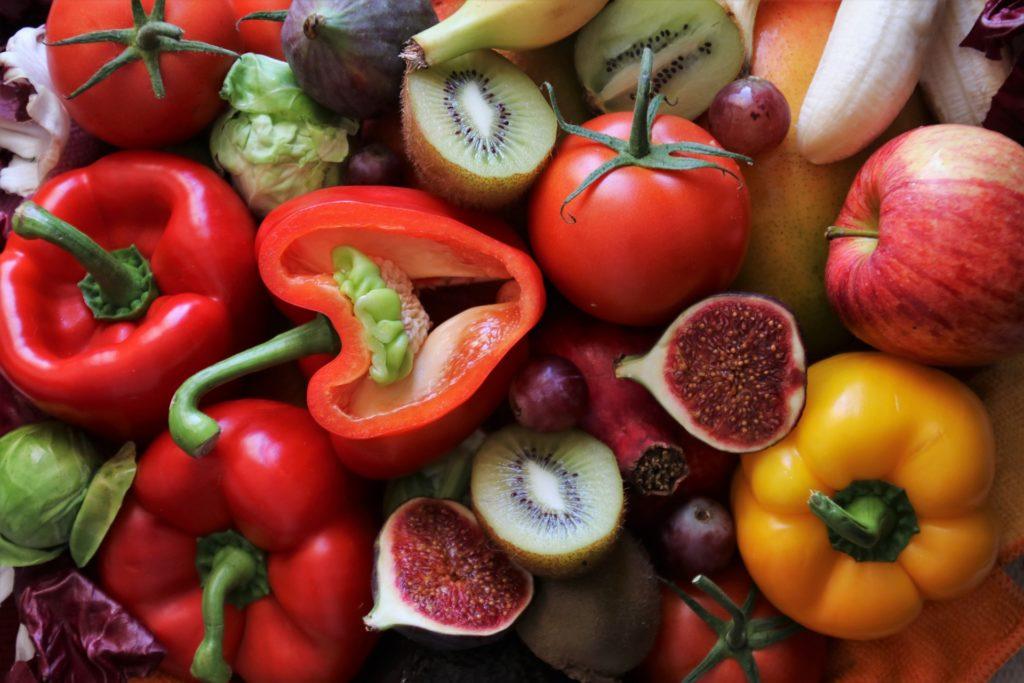 Местные овощи и фрукты